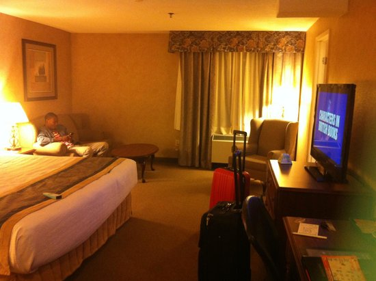 Best Western Plus Cairn Croft Hotel: Our awesome clean room upon arrival