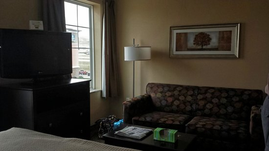 MainStay Suites Rapid City: Living room area