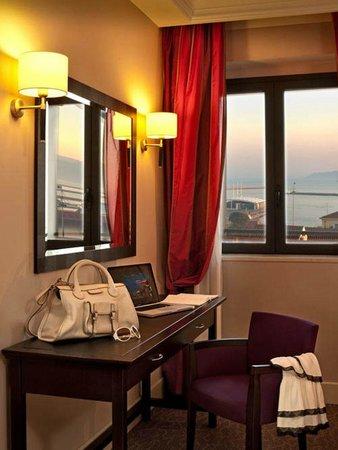Hotel Regina Margherita - Cagliari: Camera da letto a sud
