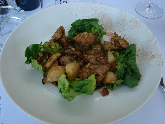 L'atmosphère : La salade insolite de Saint-Jacques et riz de veau : c'est top