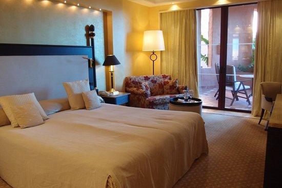 Kempinski Hotel Bahía: La chambre et son lit moëlleux