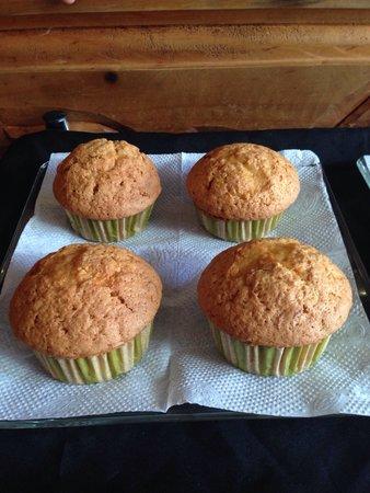 Girasoles Restaurante: Muffin de zanahoria con el sabor de Girasoles!!!