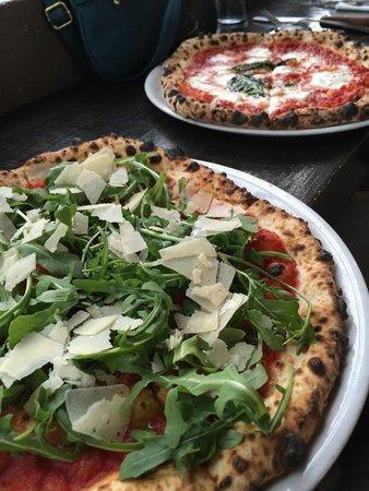 Pizzicletta : Pizza Rucola and Pizza Margarita