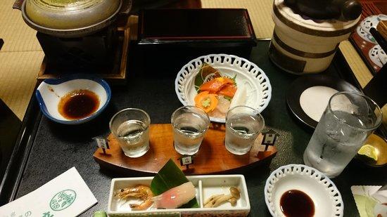Suzumeno Oyado Isobekan: 日本酒飲み比べ