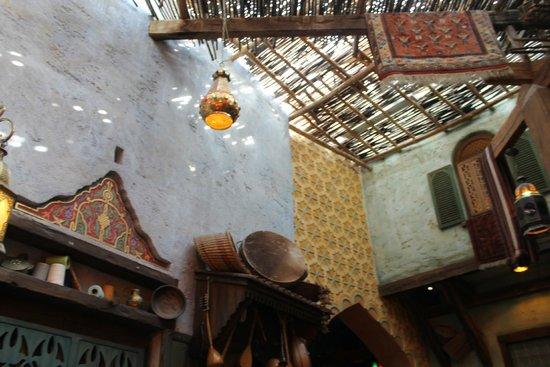 Agrabah Cafe: intérieur du restaurant