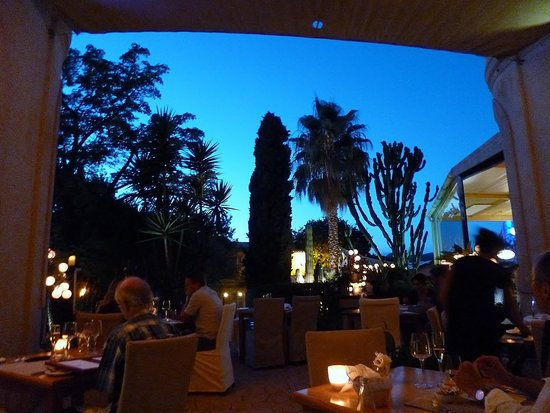 Hotel Sant Salvador: Dinner in the garden