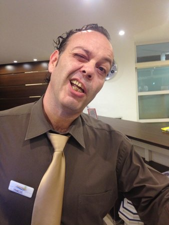 Hotel Ibersol Son Caliu Mar: This is the pathetic receptionist