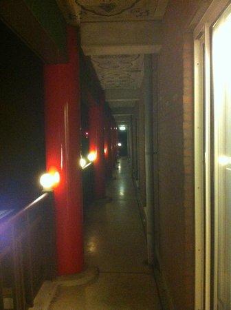 Hotel Breukelen: Shared balcony