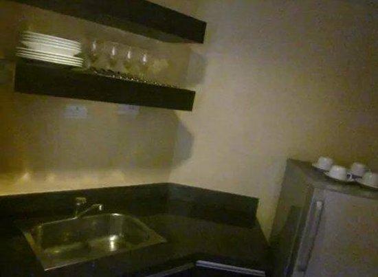 Lancaster Hotel Manila: Kitchen
