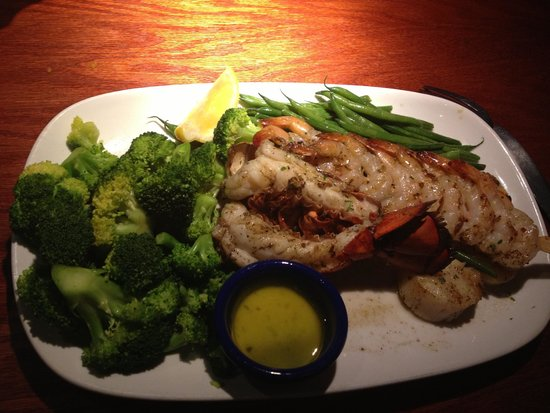 Photo Taken At Red Lobster By Johnelka S On 11 27 2016