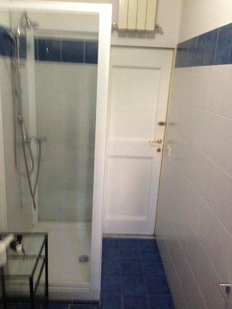 Ridolfi Guest House: Baño