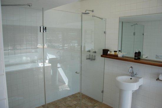 Atlantic House: große Dusche