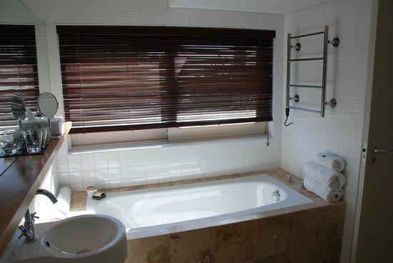 Atlantic House: große Badewanne