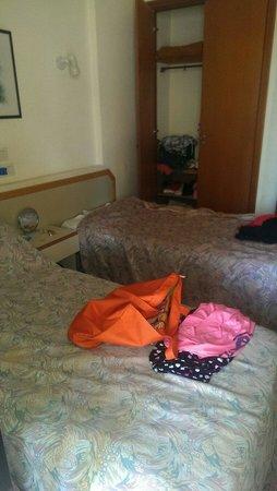 Apartamentos Luxmar: Our bedroom