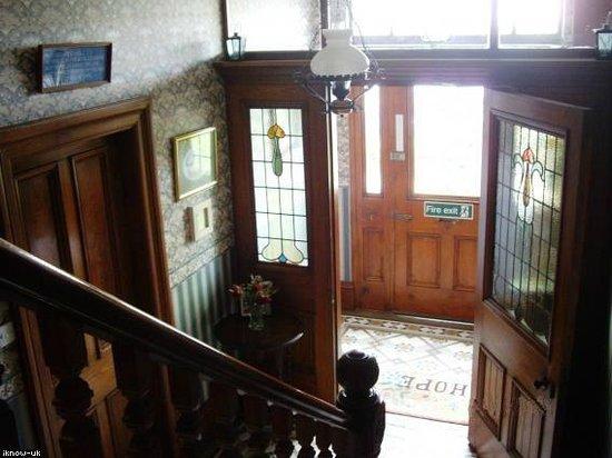 West Lodge B&B: Hallway