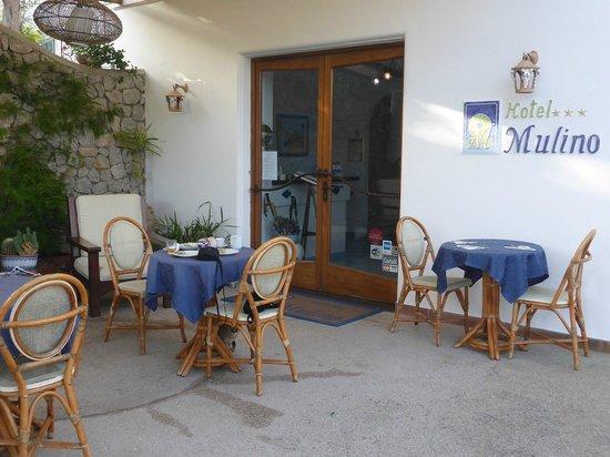 Al Mulino: Entrance and Breakfast Area