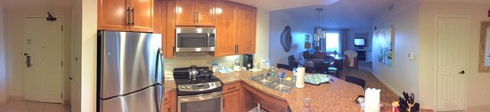 Marriott's Shadow Ridge I-The Villages: panoramic view of living room and kitchen