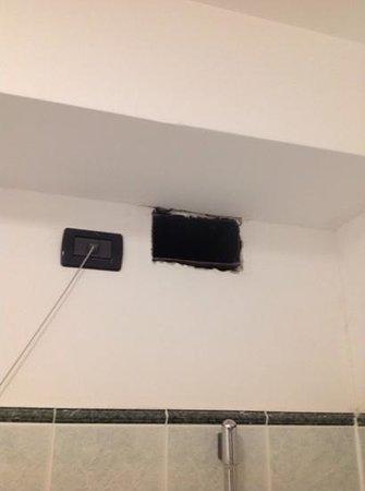 Hotel Federico II : presa d'aria in bagno...