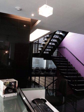 Hotel bh Parque 93: Front desk