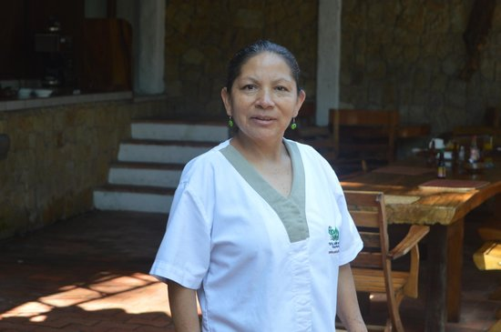 Costa Verde Inn: Adela! Been working there for more than 20 years. Still smiling ;)