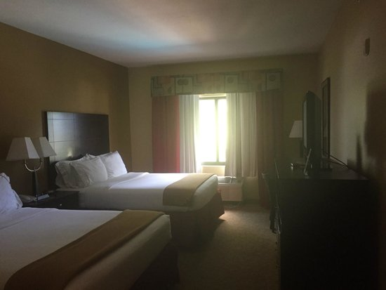 Holiday Inn Express Hotel & Suites - Pensacola West-Navy Base: My Room