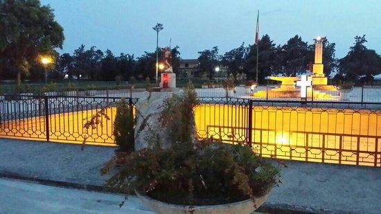Bellona, Italien: Cava ossario