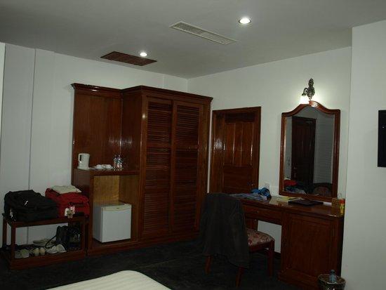 Lin Ratanak Angkor Hotel: ruime kamer