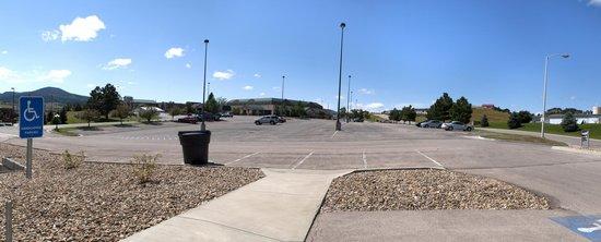 Holiday Inn Spearfish - Northern Black Hills : Plenty of Parking!