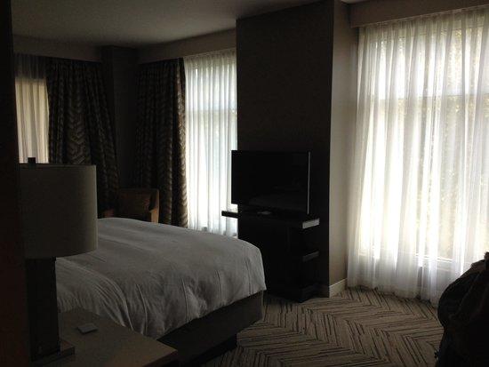 Hyatt Regency Atlanta Perimeter at Villa Christina: Suite Bedroom