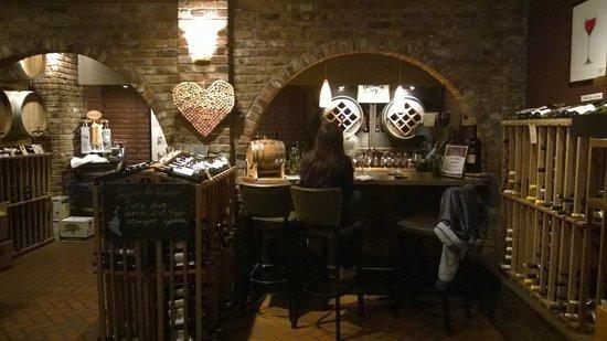 Sogno di Vino: Wine cellar