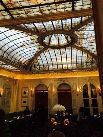 Hotel Vernet: Le V, the restaurant