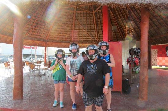 Racing Dakart Riviera Maya : The starting gate