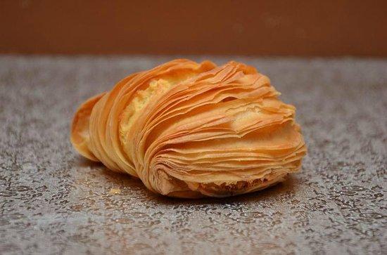 Hotel Regina Cristina : My favorite local pastry in Capri