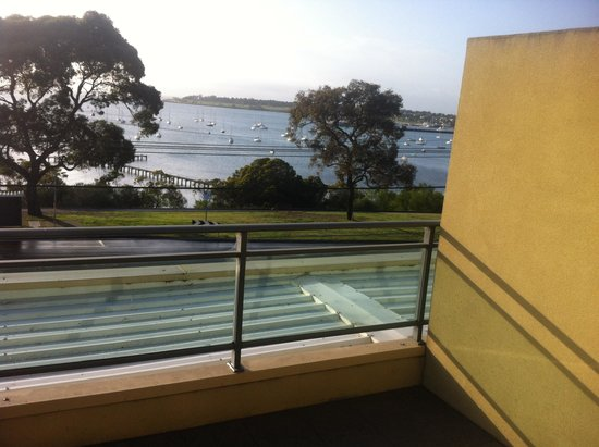 Quality Hotel Bayside Geelong: View from balcony for breakfast.