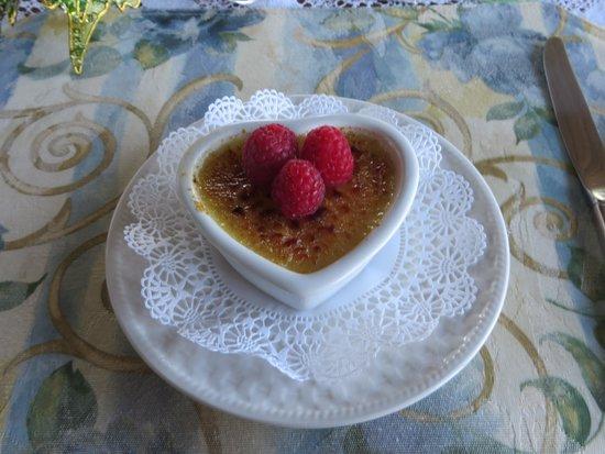 Gracehill Bed & Breakfast : Creme brulee!