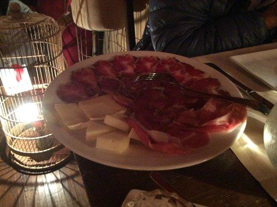 Le Boudoir : Salumi e formaggi della casa....