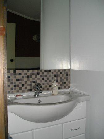 Bush Walk Bed & Breakfast Homestay: Bathroom
