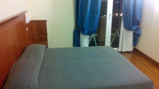 Bellevue Hotel: Bed