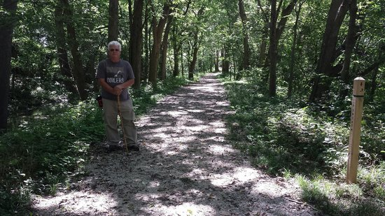 Mounds State Park: Trail