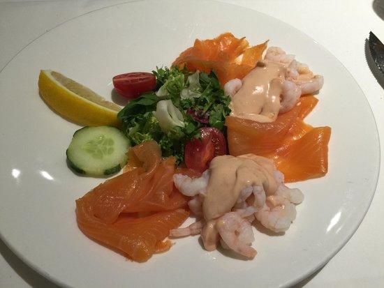 Puccini's: Salmon and prawns