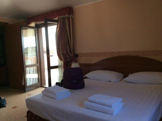 BEST WESTERN Hotel Riviera: Garden doors out to terrace