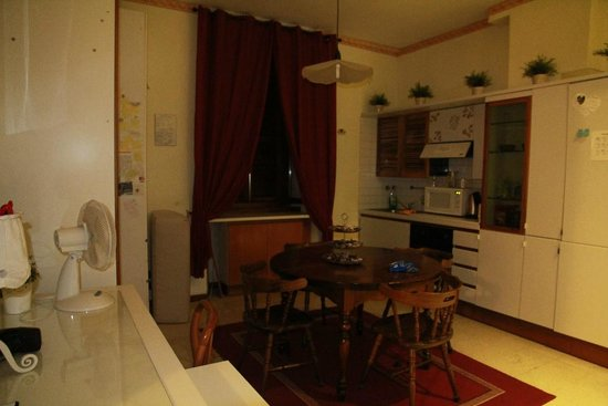 Mrs Julie Guest House : comedor