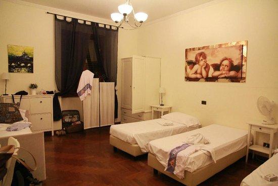 Mrs Julie Guest House : habitacion