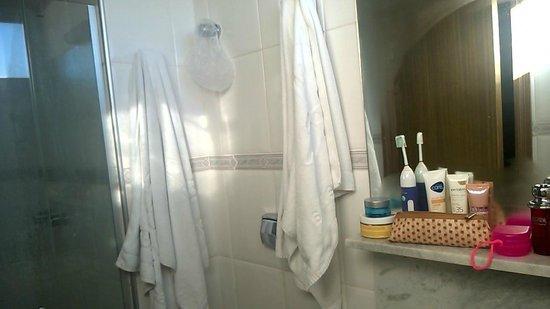 Hotel Florenca: Parte do banheiro