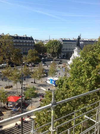 Crowne Plaza Paris Republique : room window