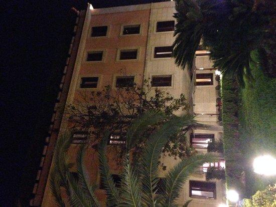 Grand Hotel del Gianicolo: Nachtansicht Hotel