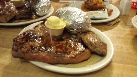 The Deer Lodge: T-bone with big potatoe