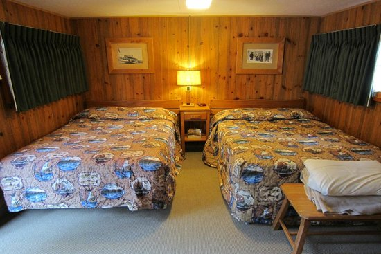 Old Faithful Snow Lodge And Cabins: Snow Lodge Frontier Cabin Interior