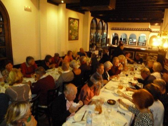 Hotel Casablanca: Group dinner
