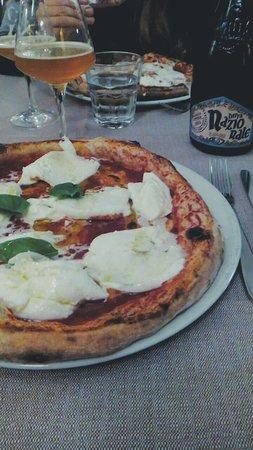 Libery Pizza & Artigianal Beer: Bufala & artigianal beer